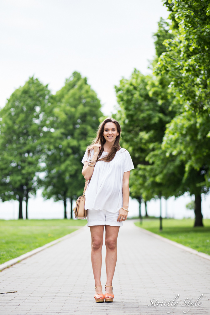 maternity style white shorts outfit-1879
