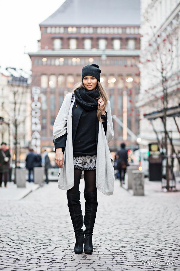 black and grey shawl-9439