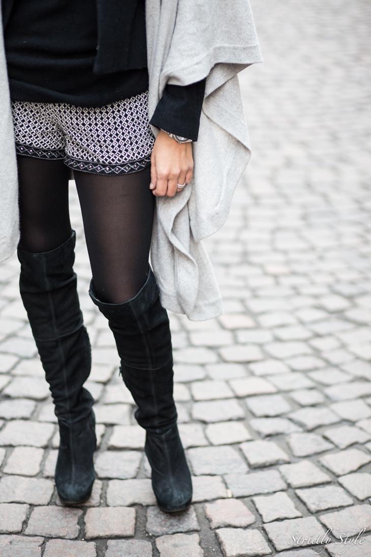 black and grey shawl-9447