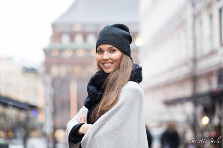 black and grey shawl-9503