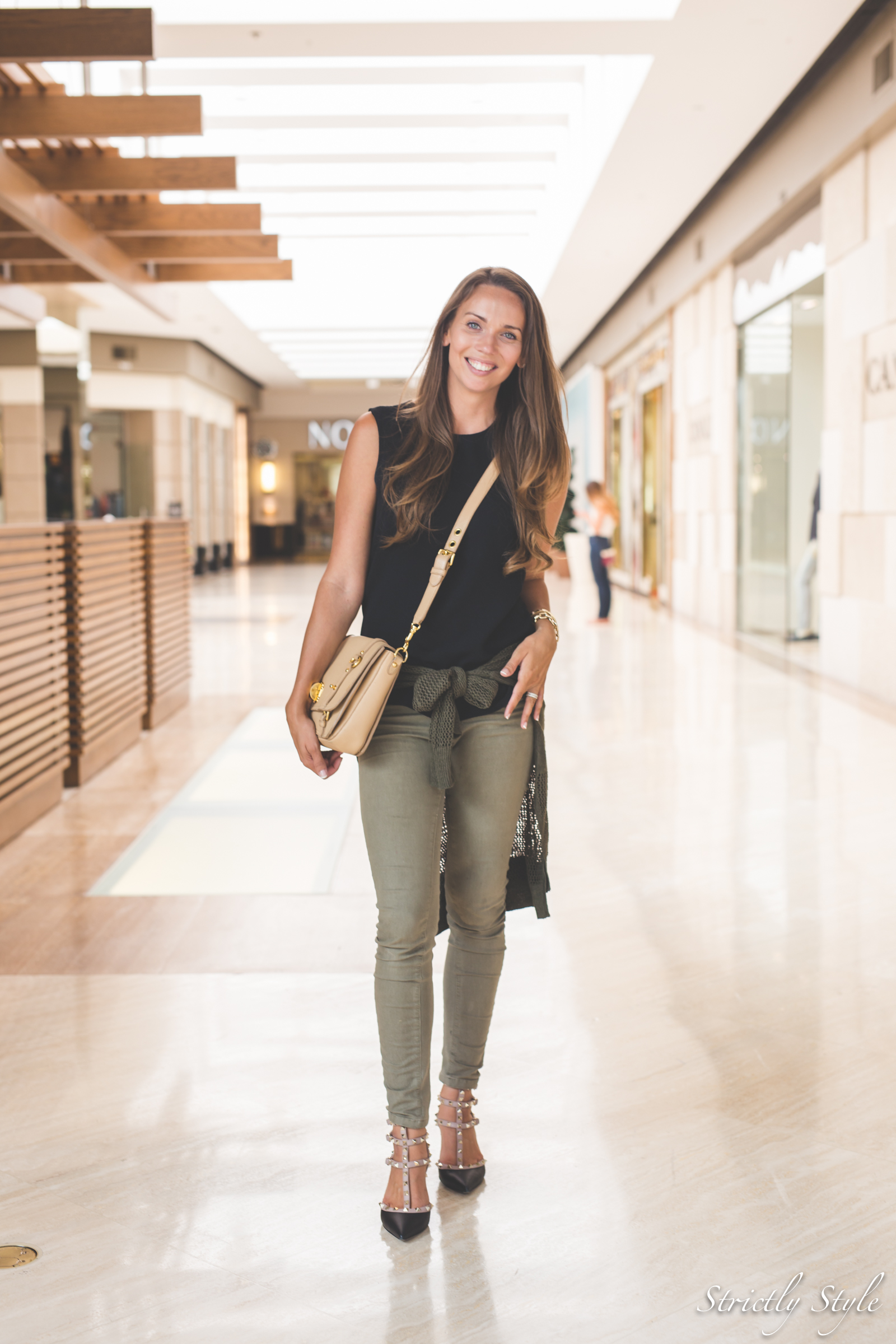 olive and black-4826