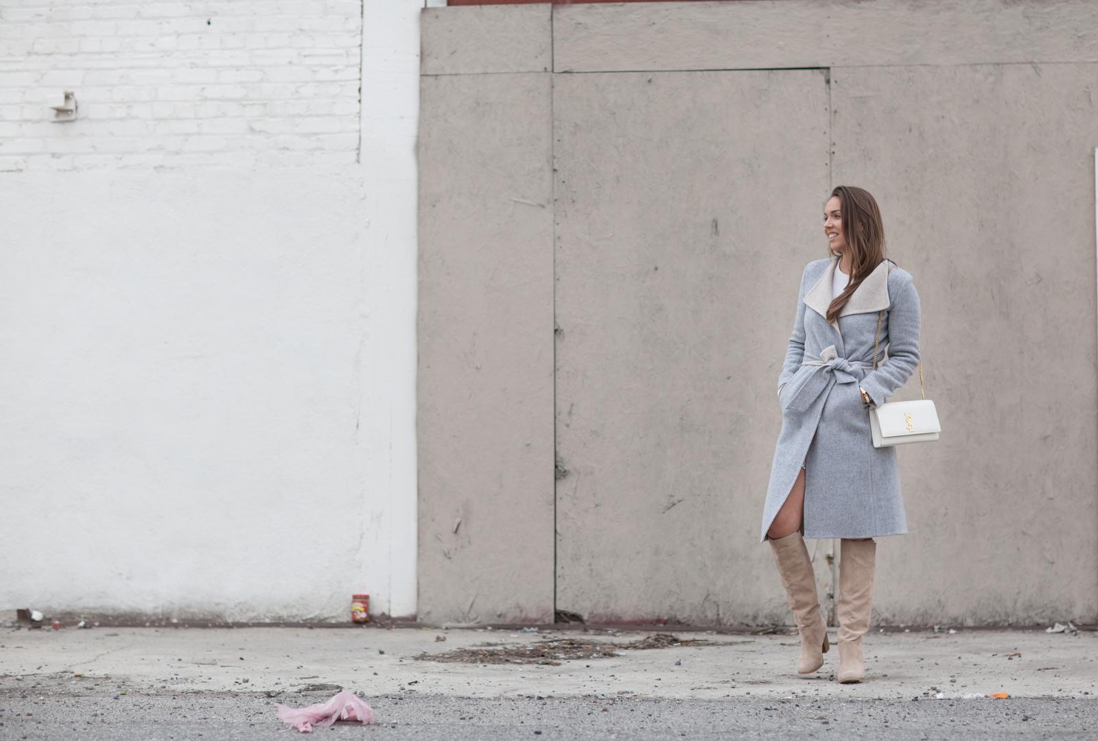 harmaa takki pitsisortsit valkoinen paita lon beach-5509
