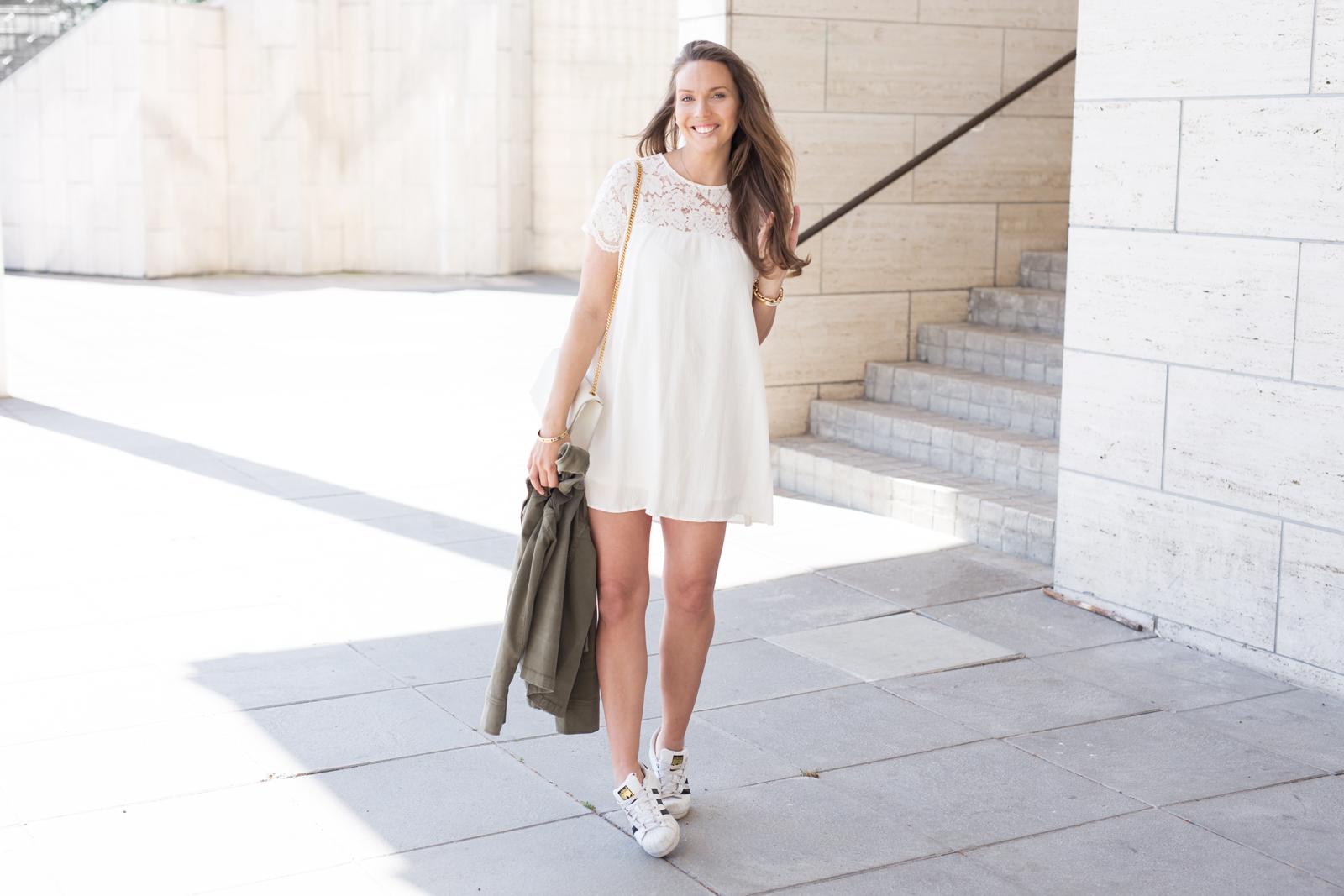 valkoinen mekko tapiola-7933