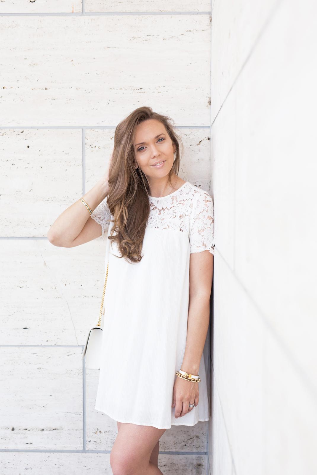 valkoinen mekko tapiola-7963pieni
